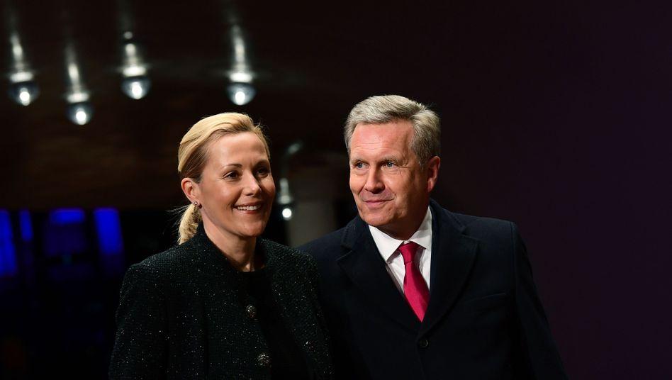 Christian Wulff mit Gattin Bettina (im Januar in der Hamburger Elbphilharmonie)