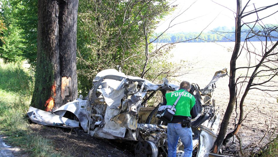 Tödlicher Verkehrsunfall in Schleswig-Holstein: Explosion nach Crash