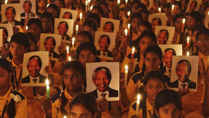 Weltweite Trauer: Tränen und Lufballons für Mandela