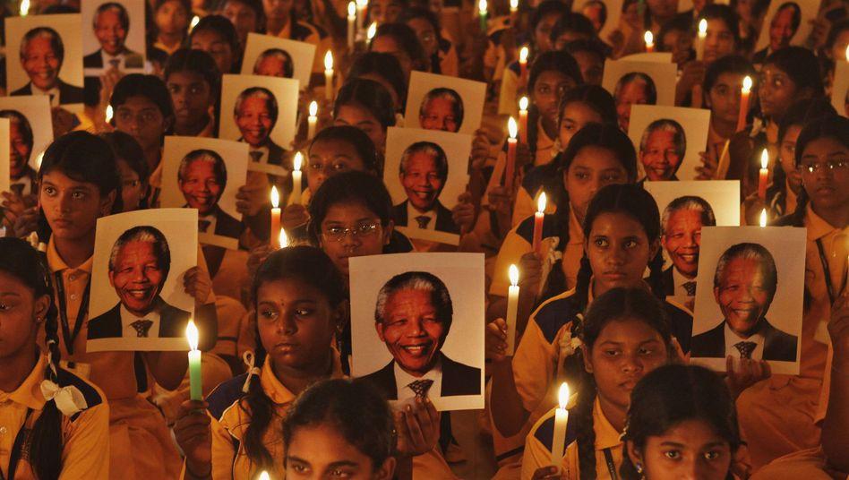 Afrikas verstorbenes Idol: Obama, Bush und Clinton reisen zur Mandela-Trauerfeier