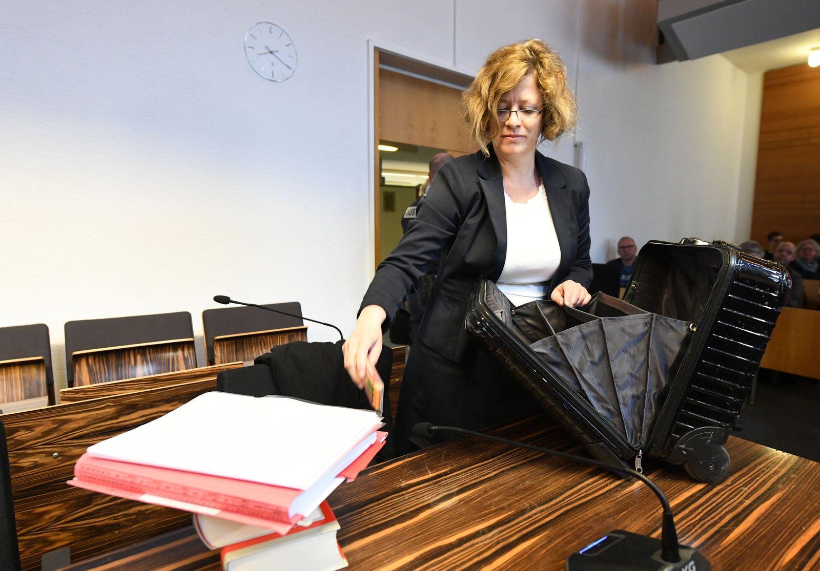 Anwälting Julia Schlindwein