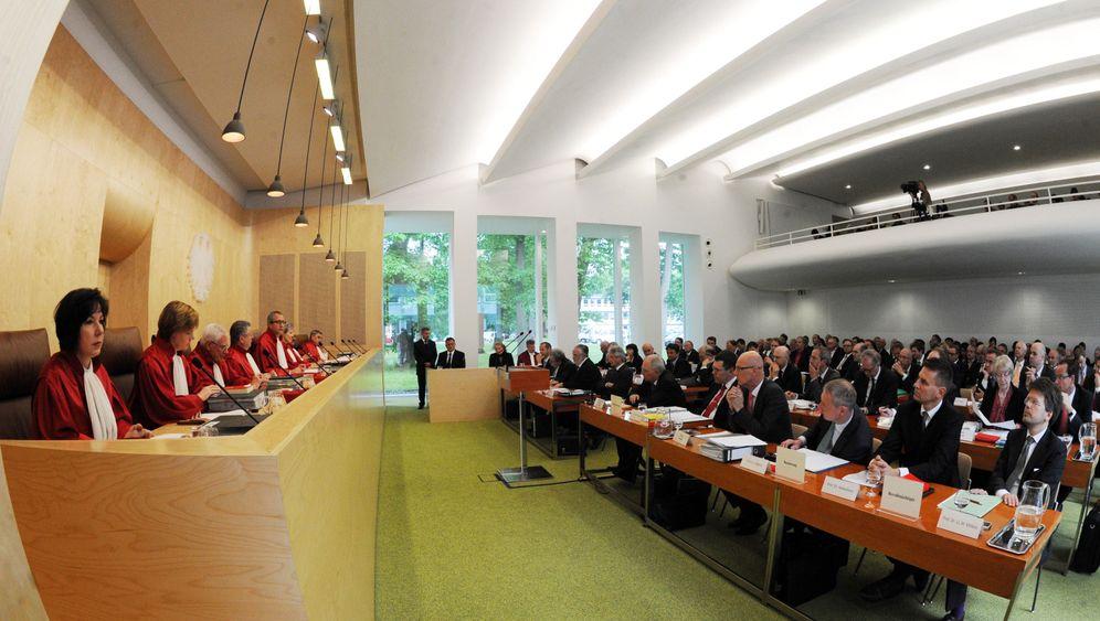 Karlsruhe: Historische Euro-Verhandlung