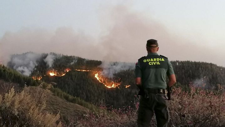Waldbrände auf Gran Canaria: Rauch über der Urlaubsinsel