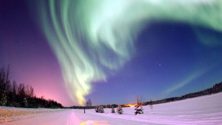 Kosmisches Feuerwerk: Geheimnisvolle Polarlichter