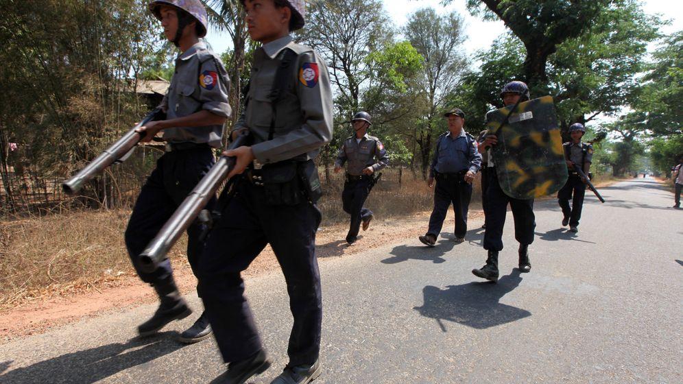 Schwieriger Reformprozess: Blutige Unruhen in Burma