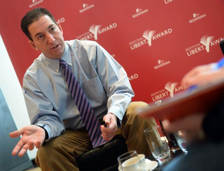 Der US-amerikanische Journalist Greenwald: Analysen über die Datenbanken