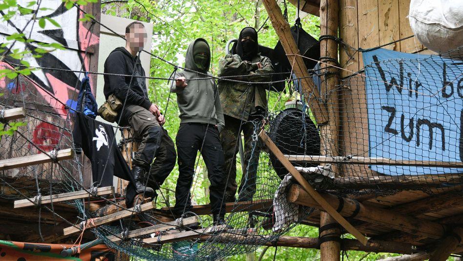 Aktivisten im Hambacher Forst