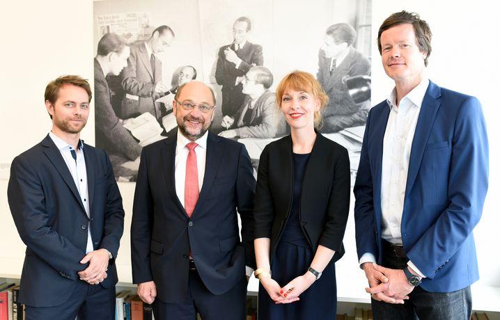Mit den SPIEGEL-ONLINE-Redakteuren Philipp Wittrock, Barbara Hans und Florian Gathmann (v.l.n.r.)