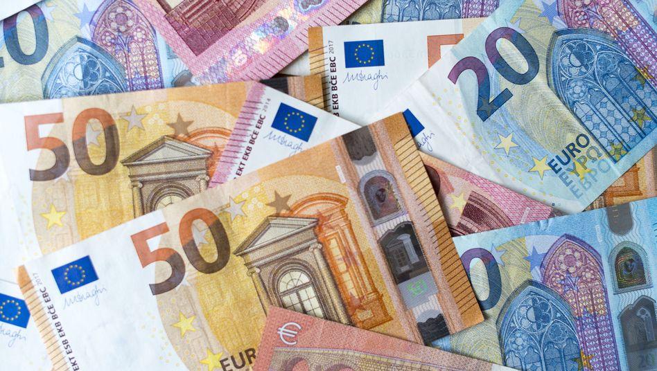Banknoten: Konjunkturabschwung trifft auf Ausgabefreude
