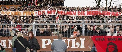 """Fans des FC St. Pauli: """"Wie Schwerverbrecher behandelt"""""""