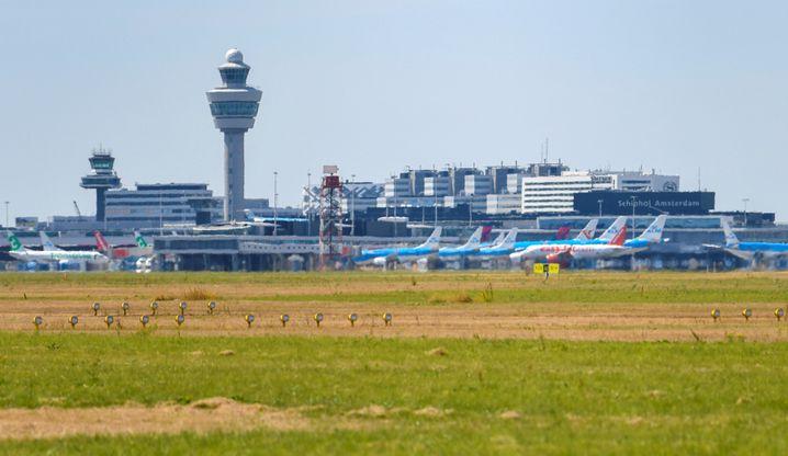 Schiphol International Airport in Amsterdam (Archivfoto)