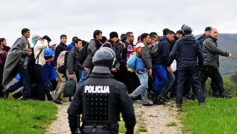 Flüchtlinge an der slowenisch-kroatischen Grenze: Schritt für Schritt nach Westeuropa
