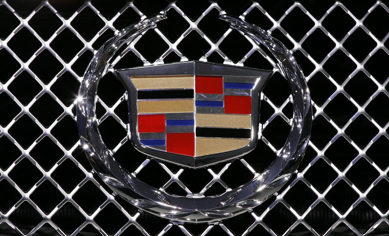 Cadillac / Logo