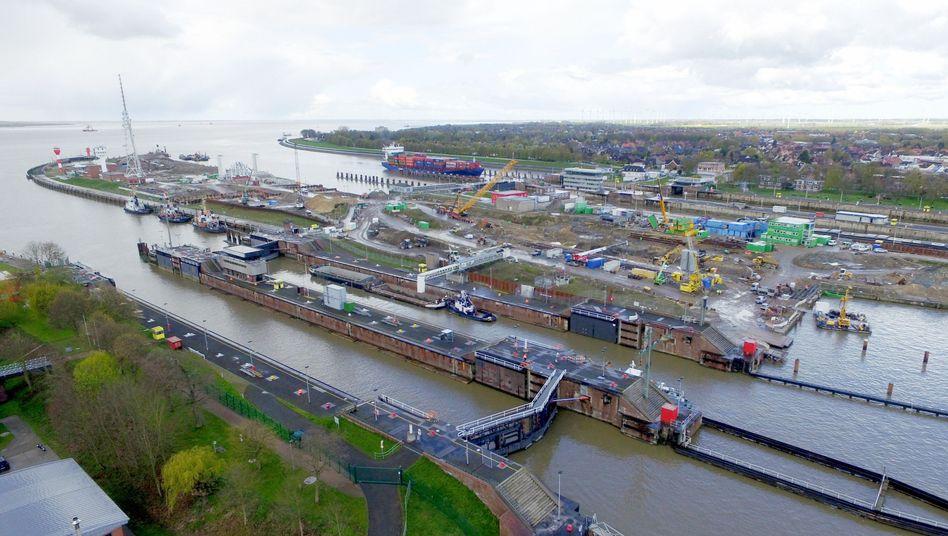 Schleusen am Nord-Ostsee-Kanal in Brunsbüttel: Große Schiffe kommen nicht mehr durch