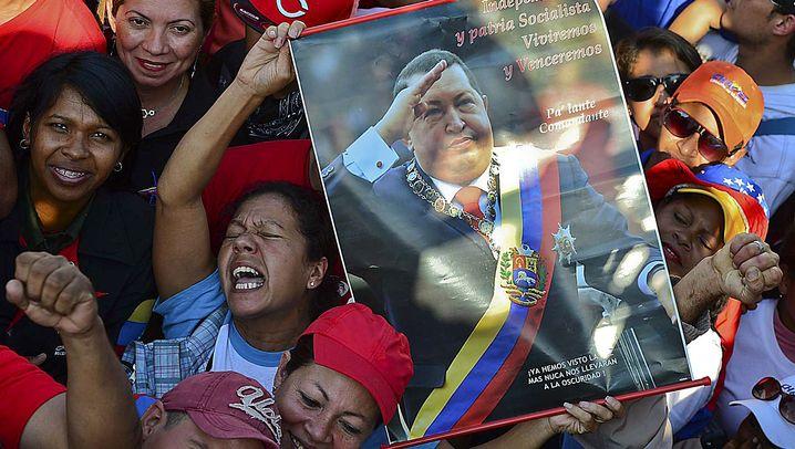 Abschied von Hugo Chavez: Trauer am gläsernen Sarg