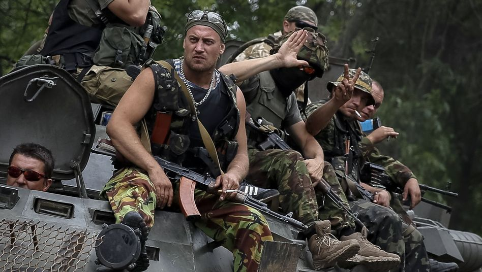 Ukrainische Soldaten in der Ostukraine: Die Truppen sollen Raketen in Donezk abgeschossen haben