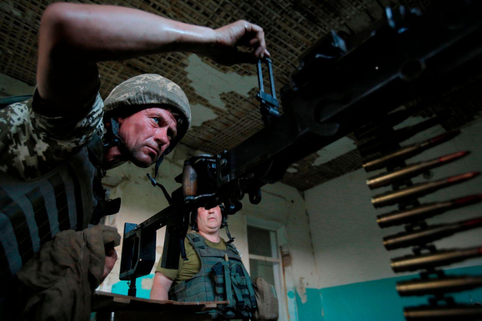 TOPSHOT-UKRAINE-RUSSIA-CONFLICT