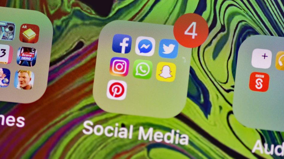 Clearview bedient sich ungefragt bei Fotos von Twitter, Instagram, Facebook und anderen Diensten