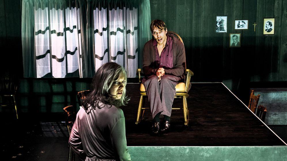 Theaterkritik: Die Hölle ist das Wohnzimmer