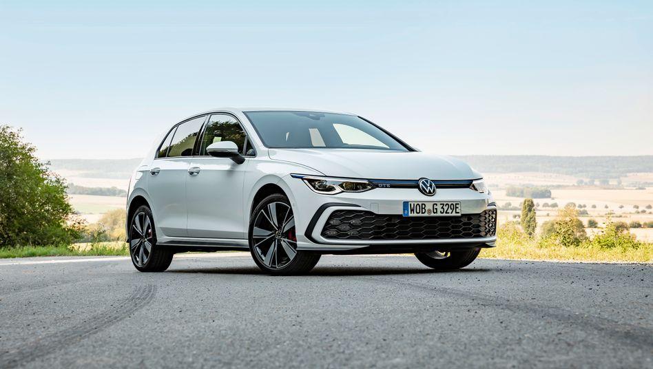Mit rein elektrischem Antrieb wird der neue VW Golf nicht mehr angeboten, wohl aber mit Plug-in-Hybridantrieb als Golf GTE
