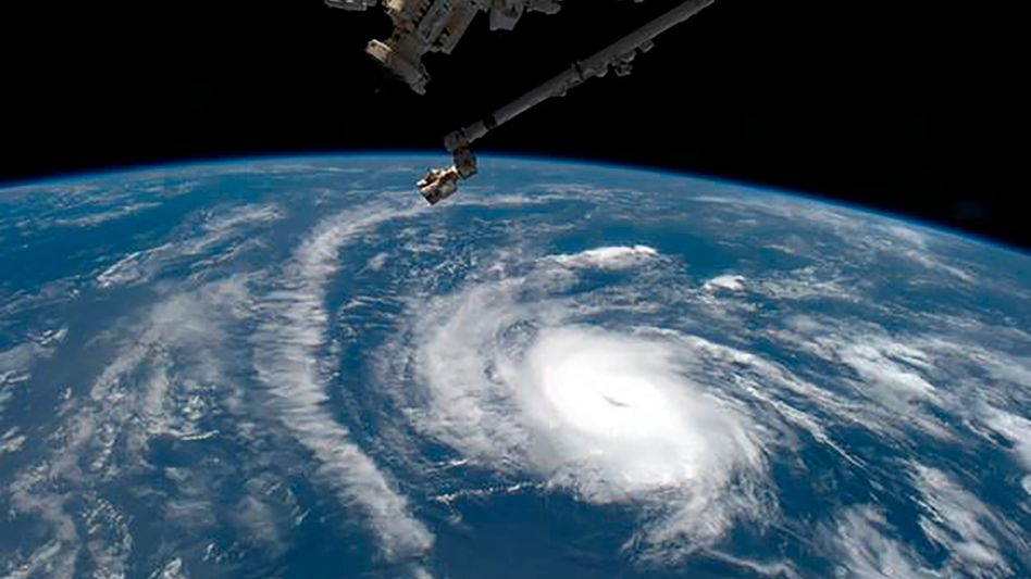 """Foto von der Internationalen Raumstation: Hurrikan """"Danny"""" über dem Atlantik"""