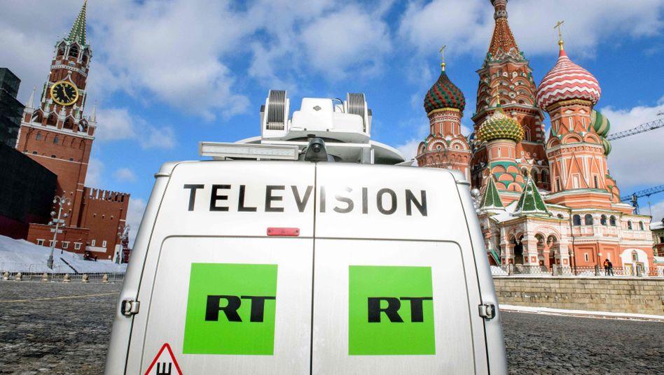 Übertragungswagen von Russia Today (RT)