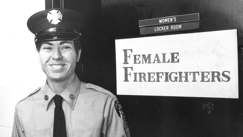 Erste Feuerwehrfrau New Yorks: Berkmans Bewährungsprobe
