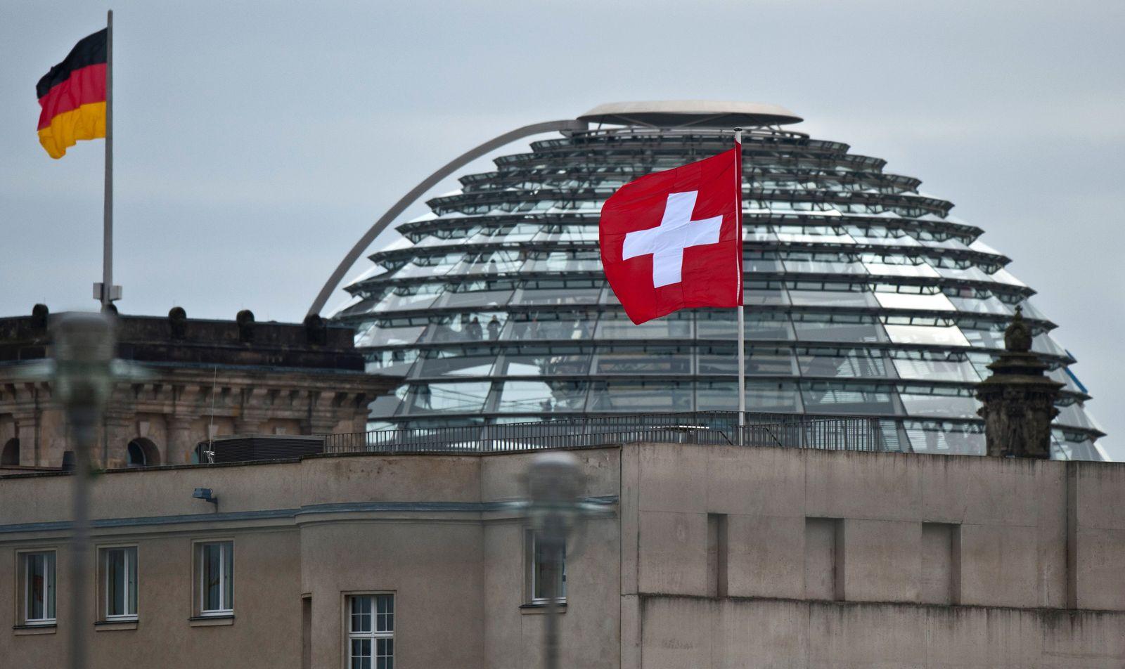 NICHT VERWENDEN Steuerabkommen Schweiz / Reichstag Berlin