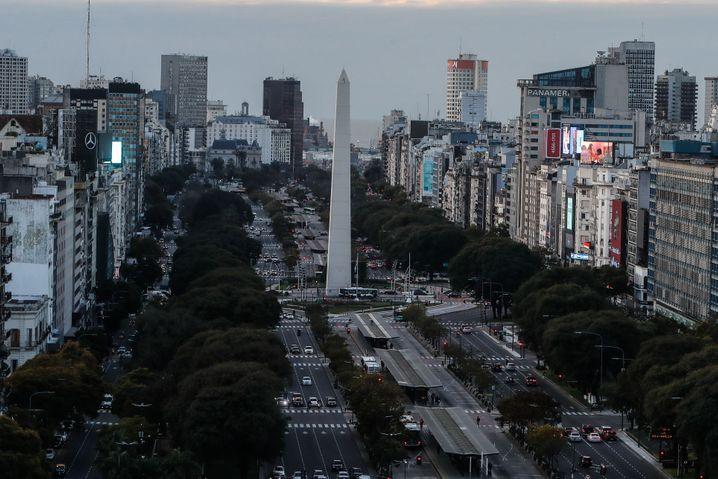 Das Coronavirus hat sich auch außerhalb der Hauptstadt Buenos Aires ausgebreitet: Argentinien verzeichnet bisher rund 350.000 Infektionen und 7.300 Todesfälle