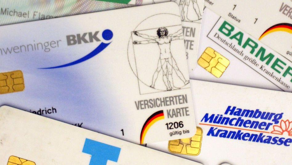 Mitgliedskarten von Krankenkassen: Tarifkürzungen gefordert