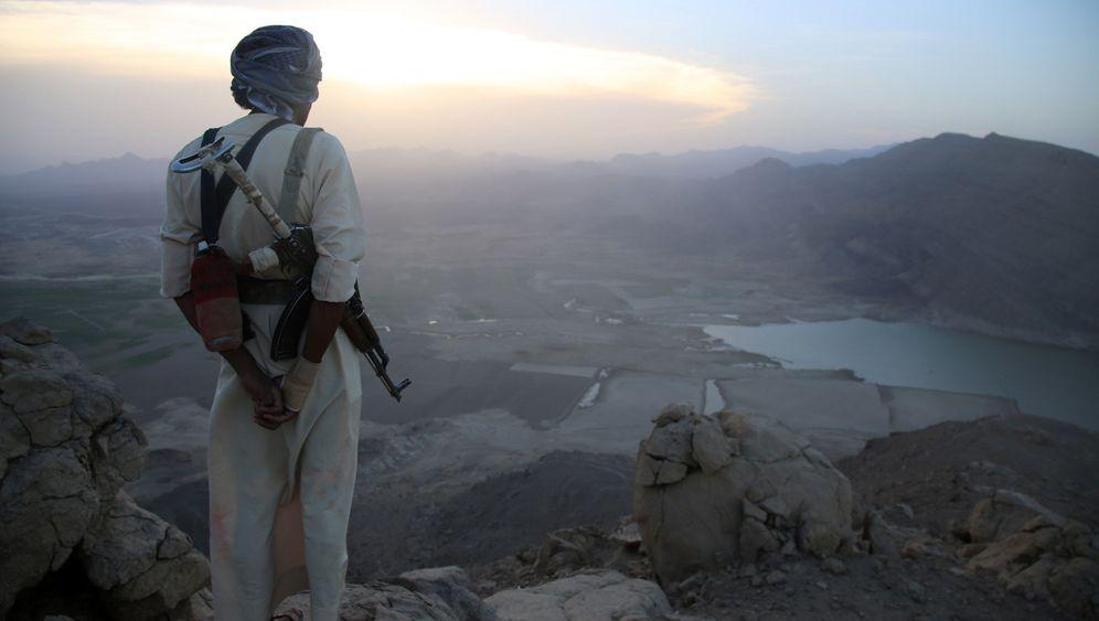 Photo Gallery: A Boomtown in War-Torn Yemen