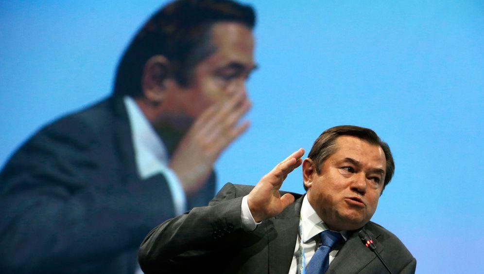Sanktionen gegen Russland: Hardliner-Streit im Kreml