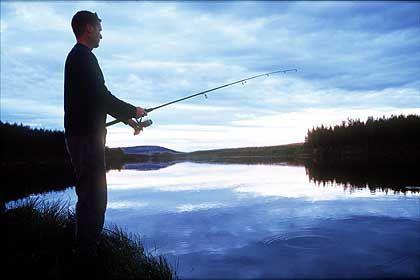 Entspannung am See an langen nordischen Abenden
