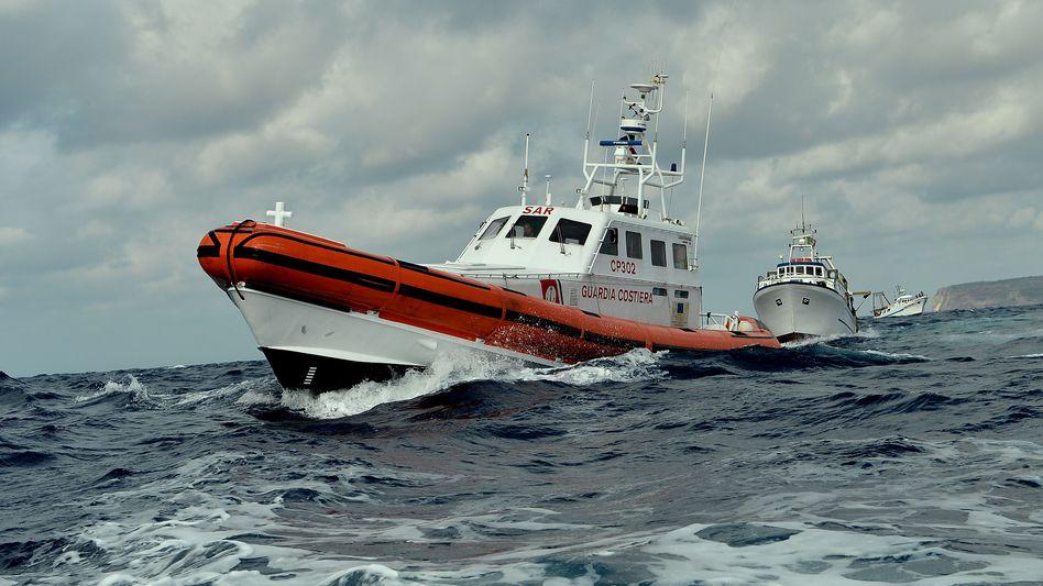 Tragödie vor Lampedusa: Fischer werfen Küstenwache zu späte Rettung vor