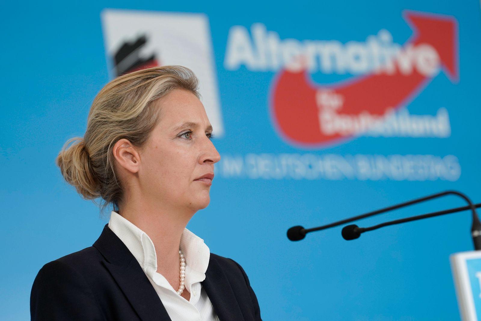 Statement der AfD Fraktion vor der Fraktionssitzung Aktuell, 22.06.2021, Berlin, Dr. Alice Weidel bei ihrem Statement i