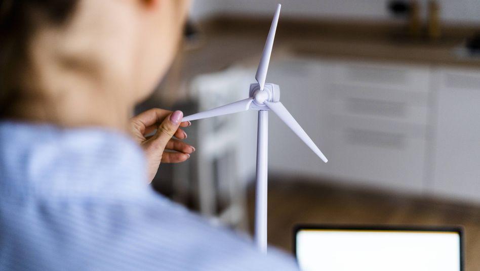 Bauingenieure arbeiten auch an der Entstehung von Windparks mit (Symbolbild)