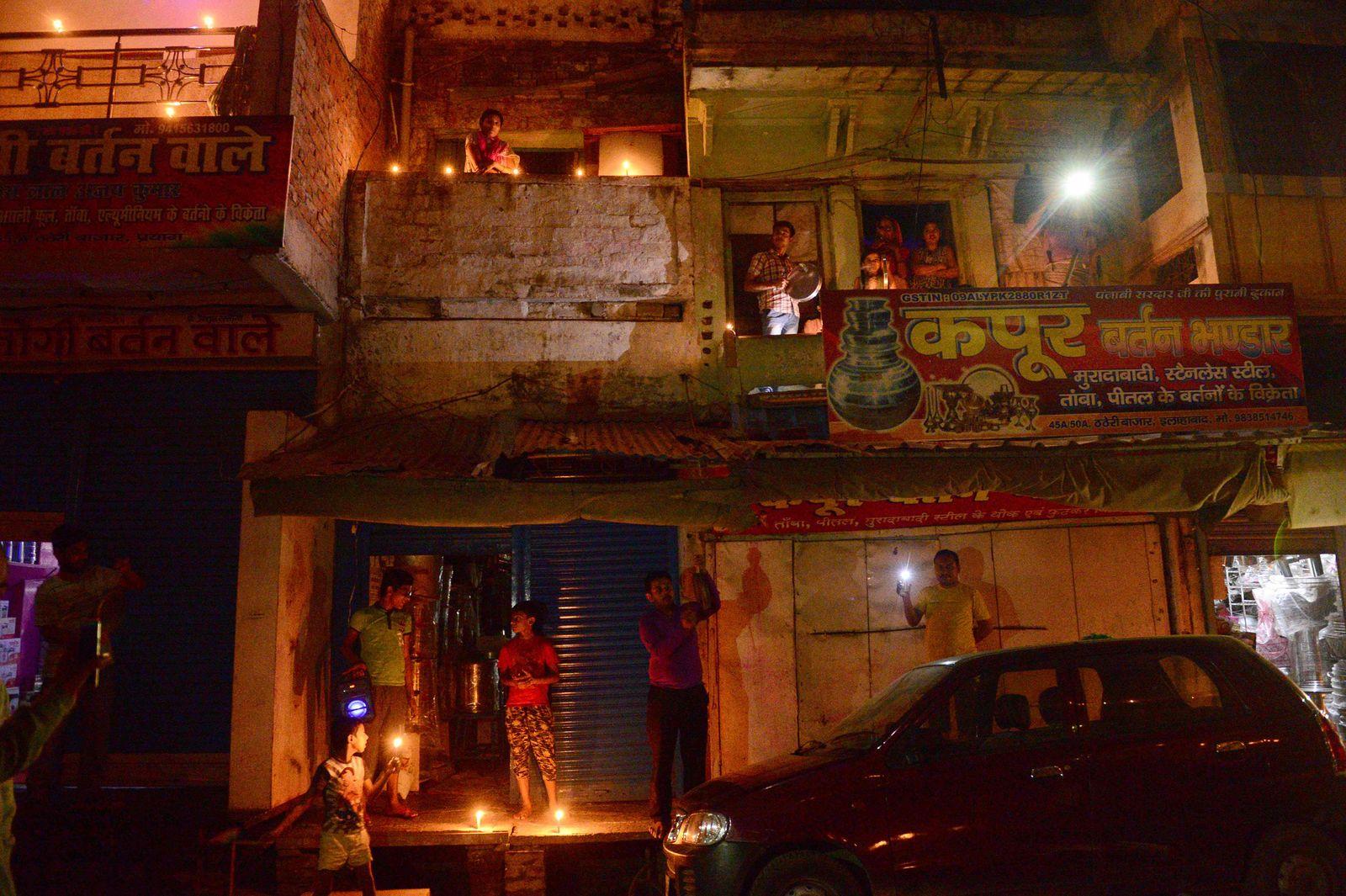 INDIA-HEALTH-VIRUS-MODI-LIGHTS