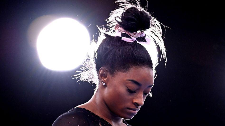 Simone Biles im Ariake Gymnastics Centre von Tokio