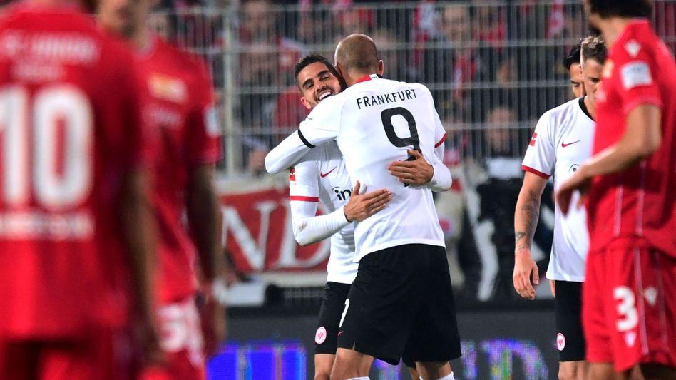 André Silva (links) und Bas Dost stürmten zum zweiten Mal zusammen von Beginn an für die Eintracht