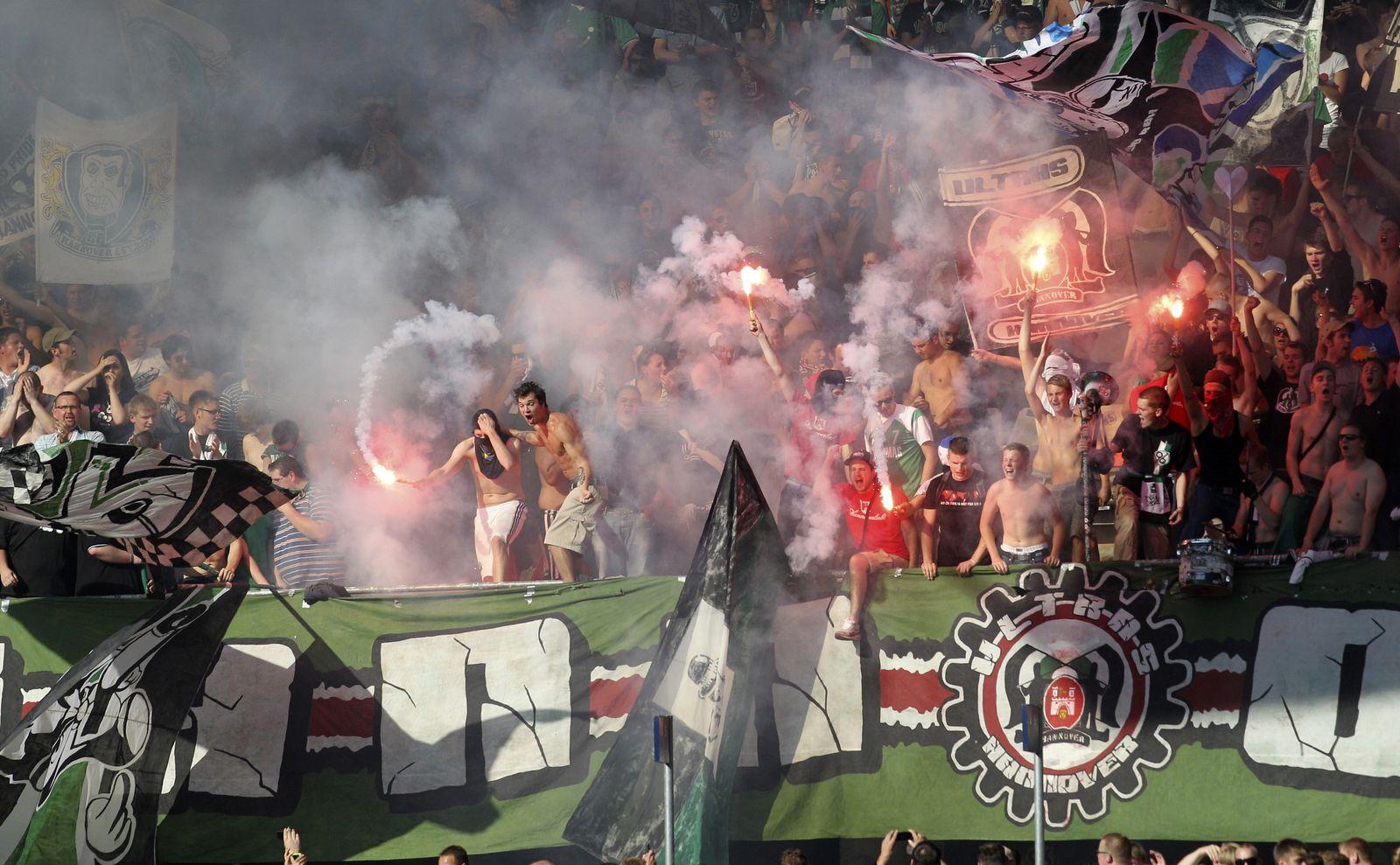 NICHT VERWENDEN Hannover Pyro Fans