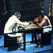 Schachboxen, ein eher exotisches Fun-Event, das trotzdem sinnbildlich für die Veränderung des Schachs steht: Nichts ist mehr, wie es war, bevor die Rechner alles schnell und aggressiv machten