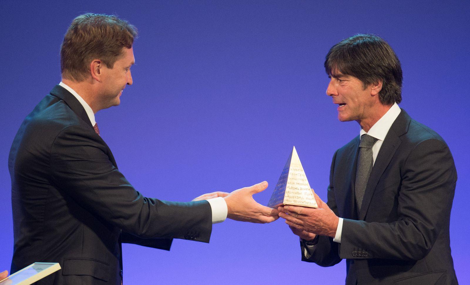 """Verleihung der """"Goldenen Sportpyramide"""""""