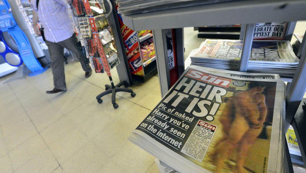 """Nacktfotos von Prinz Harry: """"Sun"""" bricht britische Zurückhaltung"""