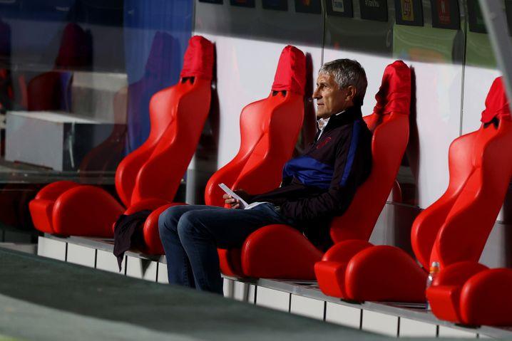 Einsamer Abend: Das 2:8 dürfte Setién als Barcelona-Trainer kaum überstehen