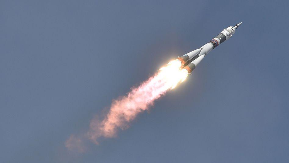 """Sojus""-Rakete beim Start"