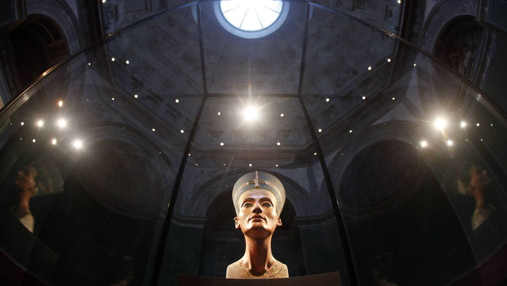 Photo Gallery: The Row over Nefertiti's Bust