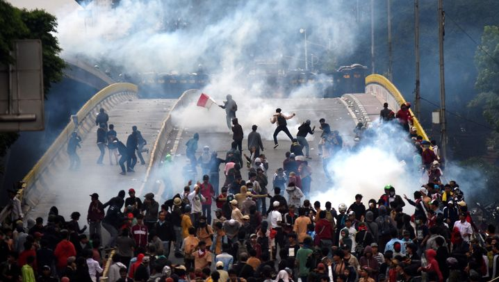 Indonesien: Proteste gegen neue Gesetze eskalieren