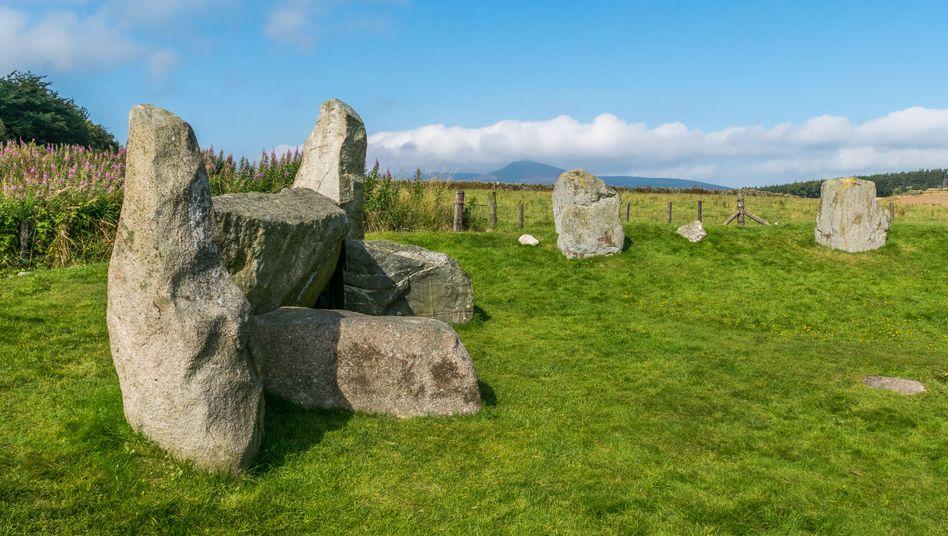 Ein sogenannter Recumbent Stone Circle in Schottland