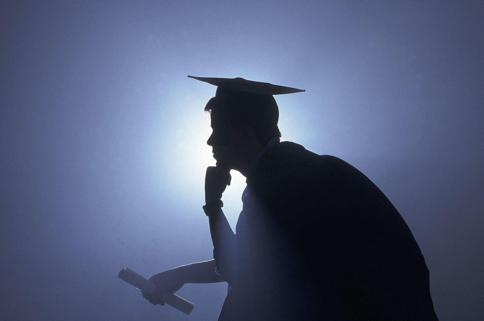 NICHT MEHR VERWENDEN! - THEMEN UniSPIEGEL Doktortitel Promotion Doktorhut Graduierte Doktor Doktoren