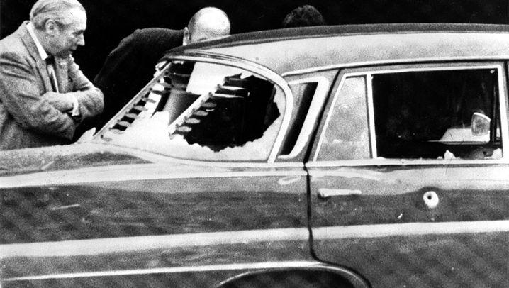 Attentate und politische Morde: Gift im Schirm
